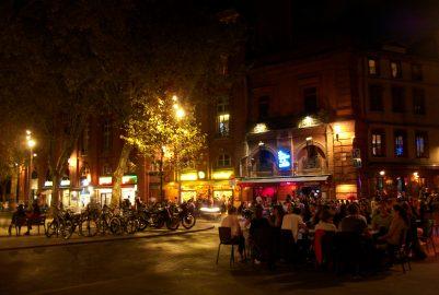 Saint-Pierre square: crazy night