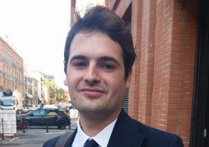 Alexandre, 24 ans, étudiant en marketing, répond aux questions sur les révélations génantes de Rachel Garrido et d'Alexis Corbière