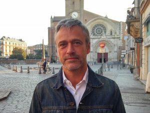 johnny a repondu au micro trottoir sur la réforme de l'ISF prevu par Emmanuel Macron