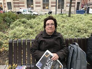 Catherine 62 ans retraité a répondu à nos questions sur le port d'armes chez les forces de l'ordre