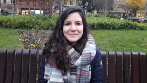 Laetitia, étudiante en biologie, s'exprime sur la diffusion de l'information qui lui semble moindre.
