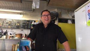 Stephan 63 ans commerçant a répondu à des questions sur le harcèlement sexuel