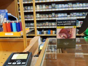 """Paquet de cigarette au bureau de tabac """" les termes"""" à Toulouse"""