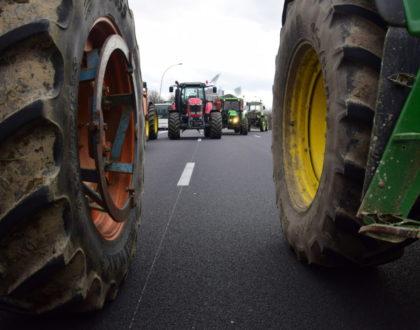 Zones défavorisées : les agriculteurs en colère bloquent le périphérique toulousain