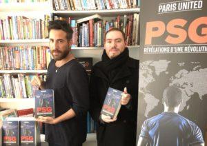 Jordan et Alexandre, membre du collectif Paris United, présentent leur livre.