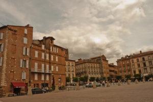 centres-villes: Place de la Cathédrale, à Albi © CC BY 2.0 Ricardo Ramirez Gisbert