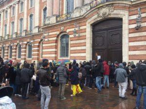 """Rassemblement DAL pour les sinistrés de l'incendie """"Rue Bayard"""". Crédit photo Marouane Bouhou"""