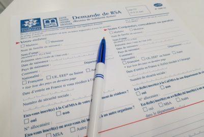 Gilets jaunes: faut-il suspendre le RSA pour les « casseurs » ?
