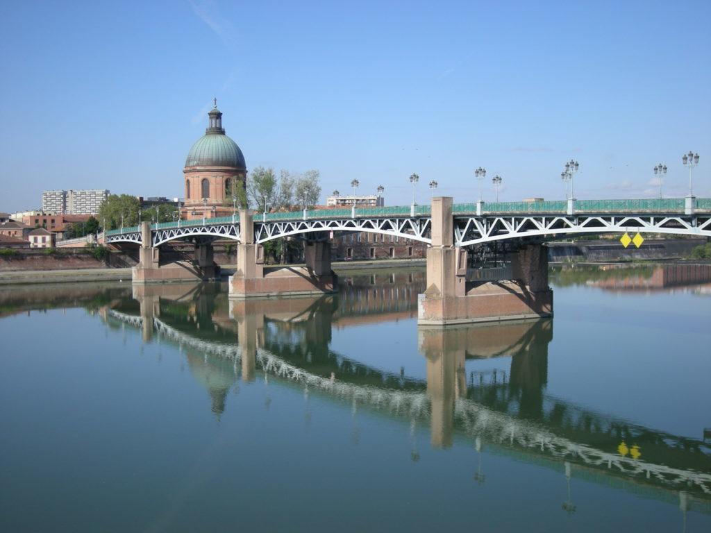 La Garonne et le pont Saint-Pierre à Toulouse. Crédit: Jamiecat / CC BY 2.0