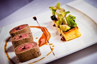 Cuisine Gastronomique Crédits : DrawsandCooks pixabay.com CC0