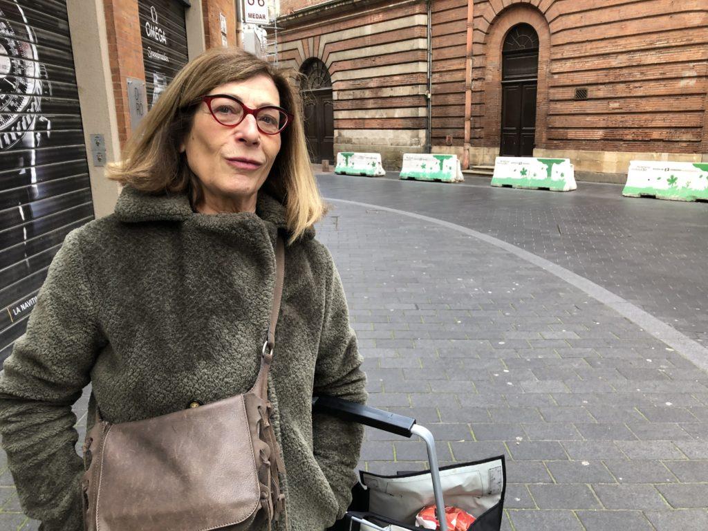 portrait Martine dans la rue