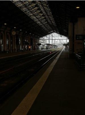 La gare Matabiau, ce mardi matin, déserte, sans train.